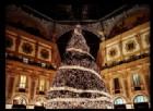 Milano: L'albero di Natale Swarovski illumina la Galleria Vittorio Veneto