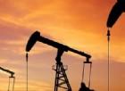 Opec, benzina sul fuoco. Come la crisi del petrolio danneggia tutti, anche chi dovrebbe guadagnarci