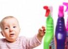 I comuni detergenti potrebbero provocare lesioni agli occhi nei bambini