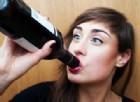 Bere poco alcol non intacca la fertilità nelle donne