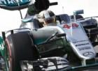 Pole position per Lewis Hamilton, seconda fila Ferrari