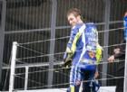 Valentino Rossi subito in testa a Misano, paura per Iannone
