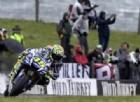 La Yamaha annega nella pioggia. Rossi: «Assurdo correre d'inverno»