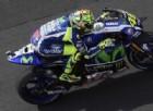 La pioggia frena Rossi e Lorenzo: «Su questa pista può essere rischiosa»