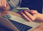 Aumentano gli italiani sul web, consumo di beni tech nonostante la crisi