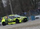 Valentino Rossi resiste in testa al Rally di Monza