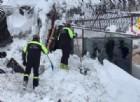 Le impressionanti immagini dei soccorsi e dell'Hotel Rigopiano travolto dalla slavina