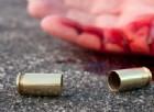 Impazzito dal dolore: spara all'uomo che investì e uccise sua moglie