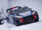 Thierry Neuville in azione sulla sua Hyundai nel Rally di Svezia
