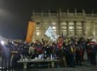Undici anni dalle olimpiadi invernali, gli ex volontari festeggiano in piazza Castello