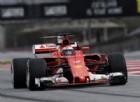 Raikkonen domina anche sul bagnato. Primi problemi per la Mercedes