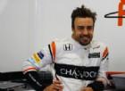 Fernando Alonso nei box McLaren