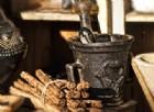 Antico mortaio per la preparazione di medicinali e cosmetici