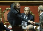 Il ministro dello Sport, Luca Lotti, saluta i colleghi e lascia l'aula del Senato al termine delle dichiarazioni di voto della mozione di sfiducia nei suoi confronti, Roma, 15 marzo 2017