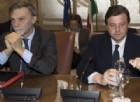 Il ministro dei Trasporti, Graziano Delrio, e il ministro dello Sviluppo economico, Carlo Calenda.