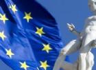 La bandiera dell'Europa all'esterno di palazzo Senatorio in Campidoglio.