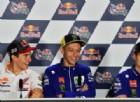 Marquez favorito? «No, non sono pronto». E Vinales e Valentino Rossi ridono...