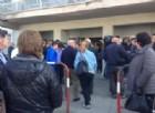 Folla alla camera ardente di Michele Scarponi
