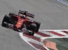 Prove libere rosso Ferrari: è doppietta Vettel-Raikkonen. Indietro le Mercedes
