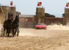 Una corsa da cinema: la Ferrari batte la biga di Ben Hur