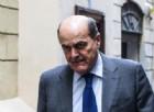Bersani a Renzi: «Con i tassi più bassi della storia debito aumentato e diminuiti investimenti»