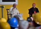 Il Papa all'Ilva, il discorso sul lavoro, l'attacco agli imprenditori-speculatori e il Crozza-show
