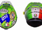 Il casco di Valentino Rossi al Mugello onora due campioni: Nicky Hayden e... Francesco Totti