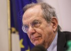 Conti pubblici e banche venete, Padoan: «Stiamo lavorando con le istituzioni Ue»