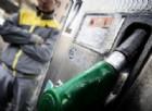 La bufala delle sirighe alla pompa di benzina
