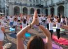 Yoga in piazza Vittorio