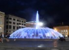 La fontana di piazza De Ferrari si tinge di blu per Charlie Gard