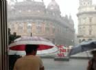 Nubifragio a Genova, allagamenti e black out in città