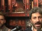 Fico (M5S) contro il governo: «Trova i soldi per le banche ma lascia bruciare il Vesuvio»