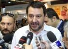 Il leader della Lega Nord, Matteo Salvini, difende il poliziotto che ha insultato Laura Boldrini.