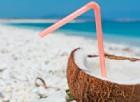 Spiagge: cocco bello addio, gli italiani non si fidano. Boom di gelati e frutta fresca