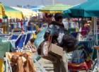 Sottomarina, carabiniere ferito da abusivo in spiaggia