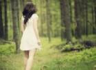 Studentessa 25enne ritrovata nei boschi: è sopravvissuta grazie a bacche e funghi