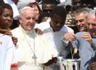 Migranti, Papa: «La nazionalità va riconosciuta alla nascita. Espulsioni collettive non sono la soluzione»