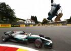 Mercedes vola, Ferrari insegue... con Raikkonen (e punta alla gara)