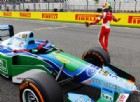 Mick Schumacher guida l'auto di papà Michael: momento da pelle d'oca
