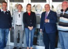 L'assessore allo sport De Bortoli con la responsabile della piscina Alessandra Fedon, Gian Paolo Palleva della squadra agonistica, i tecnici della direzione lavori