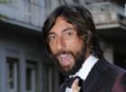 Striscia la Notizia, Vittorio Brumotti parcheggia una sedia rotelle sulla Ferrari