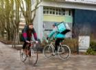Deliveroo raccoglie 385 milioni di dollari e a Torino si prepara la rivolta dei riders
