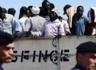 Migranti, appuntamenti «hot» con i profughi in cambio di ricariche telefoniche