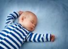 Neonati, ecco il pigiamino che funge da incubatrice ed elimina l'ittero