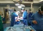 Operato di tumore al cervello mentre suona il clarinetto
