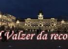 Piazza dell'Unità d'Italia 'invasa' da 1511 coppie a ritmo di valzer