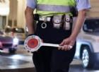Controlli della polizia municipale nella notte a Torino