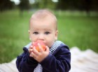 Micah Gabriel, il bambino allergico che può mangiare solo pesche