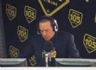 Gaffe di Berlusconi a Radio105: non sa della diretta video e...